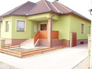 hrubá stavba, fasáda, krb, elektroinstalace, obklady